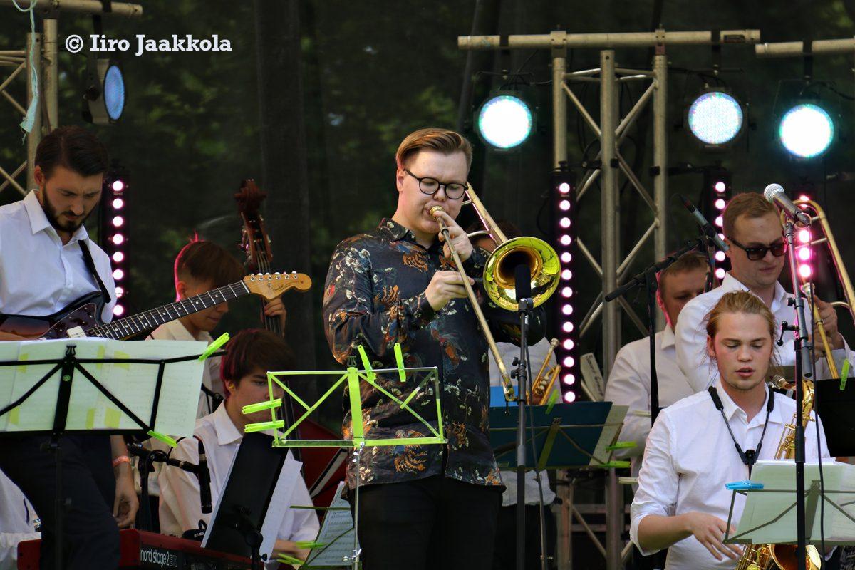 Aarni Häkkinen esiintyy konsertissa pasuunasolistina.